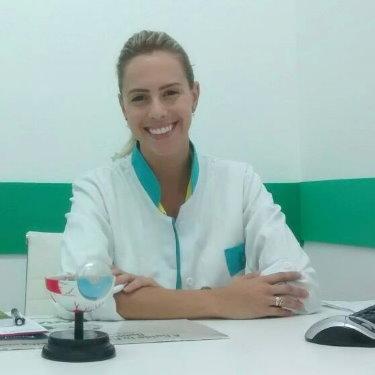 Dra. Renata Mendes